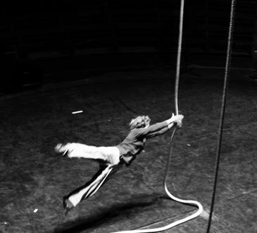Le Vide - Essai de cirque ©  Jean Charmillot LeJet